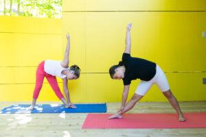 Pratiques du yoga aux tout-petits